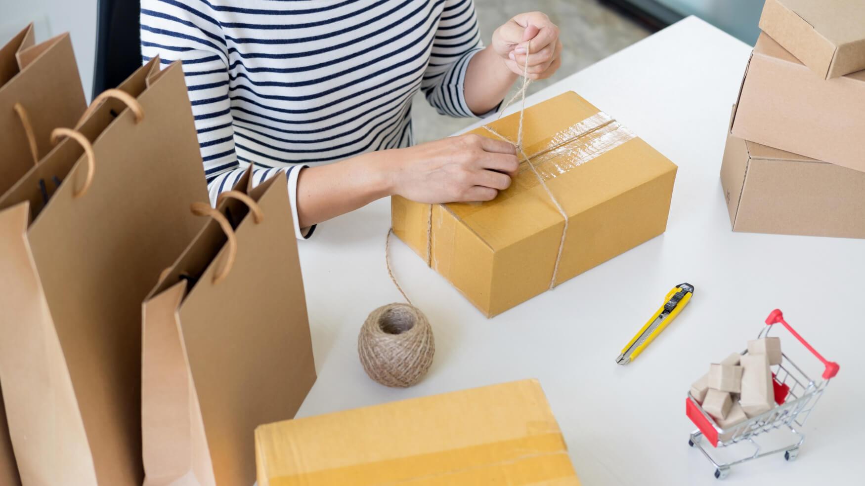 Produkte-Verpacken-Online-Einkaufen